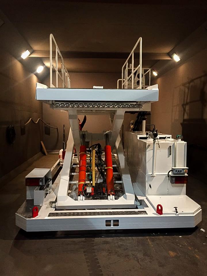 Aircraft lower deck loader